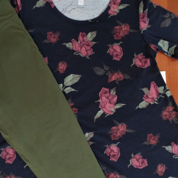 LULAROE Other - LULAROE OUTFIT! M- PERFECT-T TOP with TC- LEGGINGS